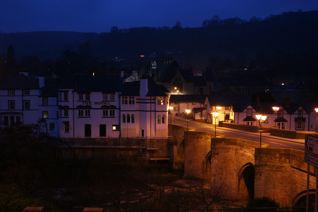 Llangollen Bridge at night