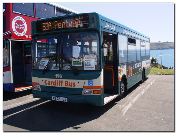 Cardiff bus didbygraham/Flickr
