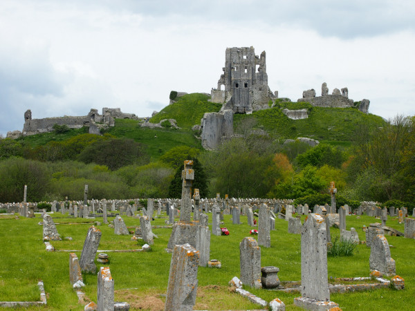 Corfe Castle sjdunphy/Flickr