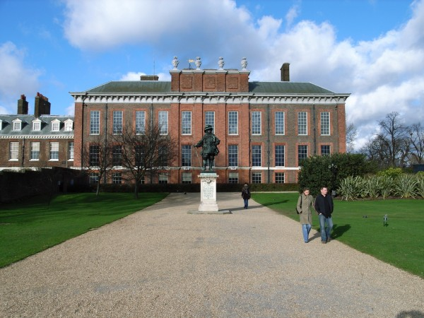 Kensington Palace, Kensington Gardens A flickr photographer/ookaboo