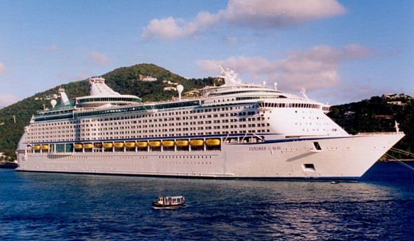 Cruise ship at St Thomas
