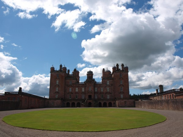Drumlanrig Castle Nigel's Europe/Flickr