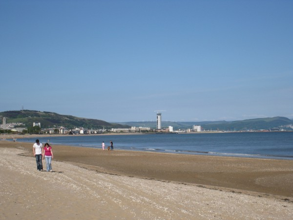 Swansea beach Mags D/Flickr