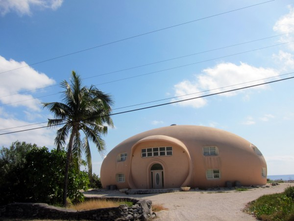 Cayman Brac unusual house Lee Shoal/Flickr