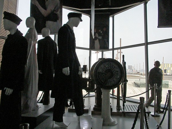 Titanic Belfast, exhibition amandabhslater/Flickr