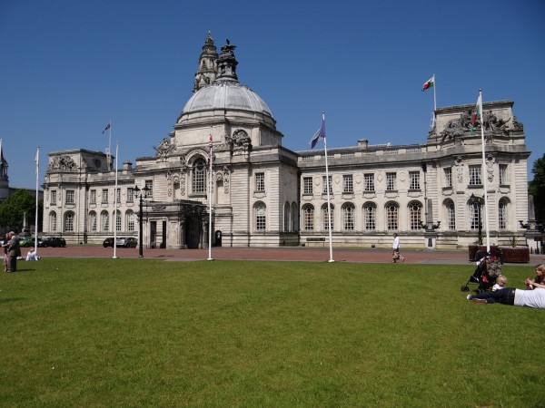 Cardiff City Hall joncandy/Flickr