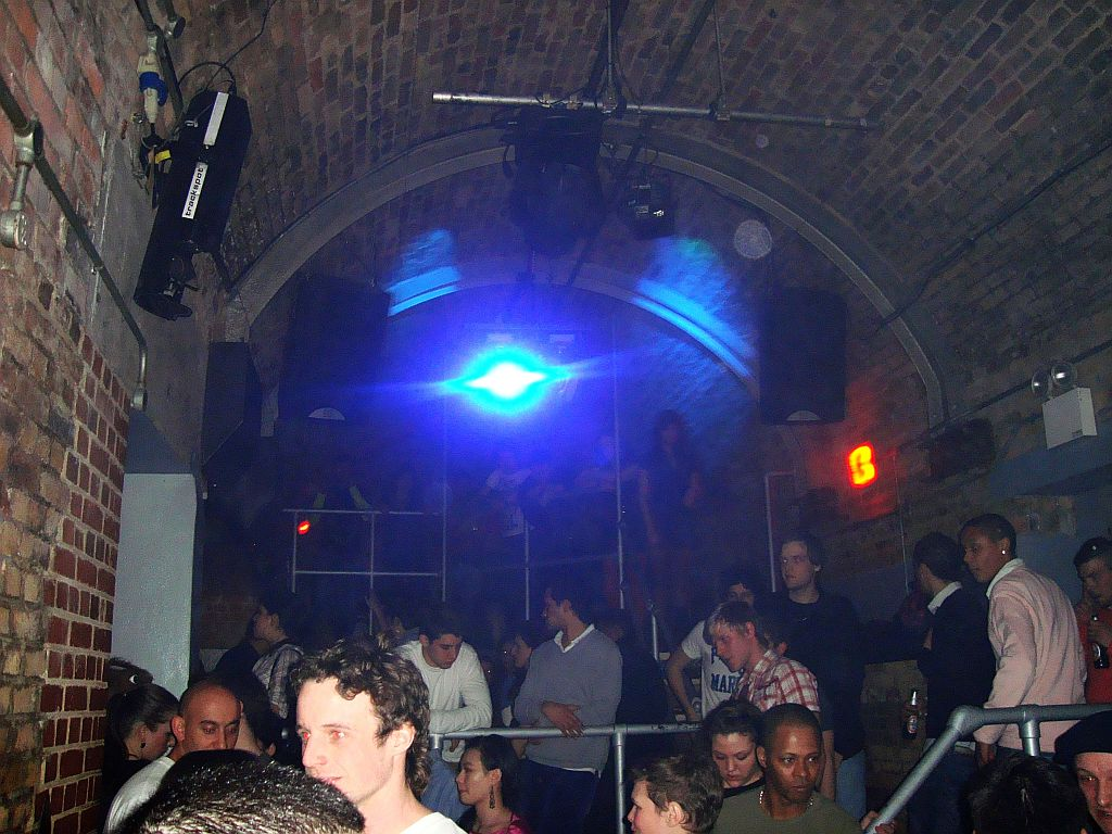 Guide to London's nightlife | United Kingdom Travel Guides