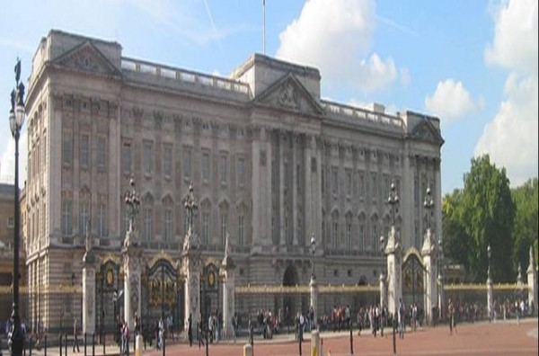 The Buckingham Palace, Central London jpvargas Flickr